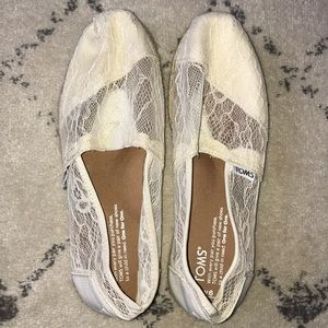 TOMS cream lace slip on shoes size 6